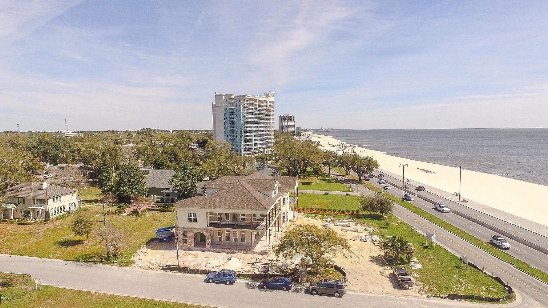 2082 Beach Drive in Gulfport